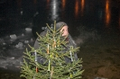 Christbaumversenken der Wasserrettung Schlossteich  (20.12.2015)